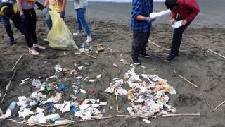 rifiuti raccolta spiagge e fondali puliti salerno mercatello
